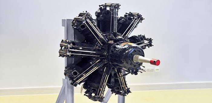 Bristol Jupiter Ixf on Bristol Centaurus Sleeve Valve Engine