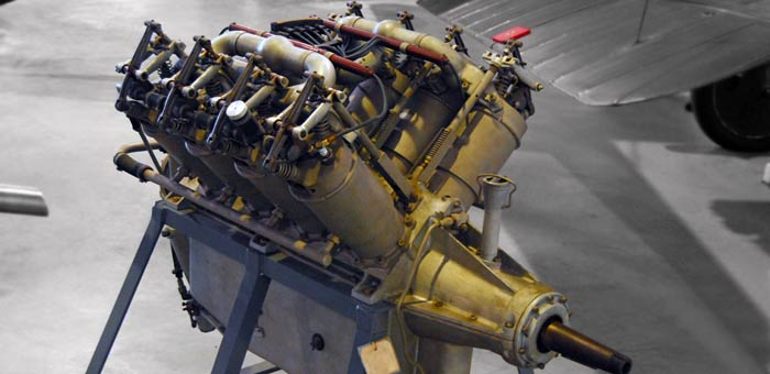 Curtiss OX-5 Aircraft Engine Pictures, Information and Specifications